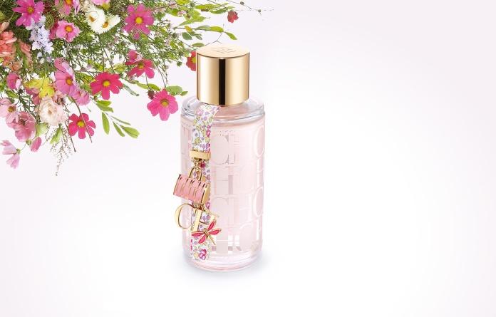 CH L'Eau es una fragancia natural, fresca y alegre. De Carolina Herrera